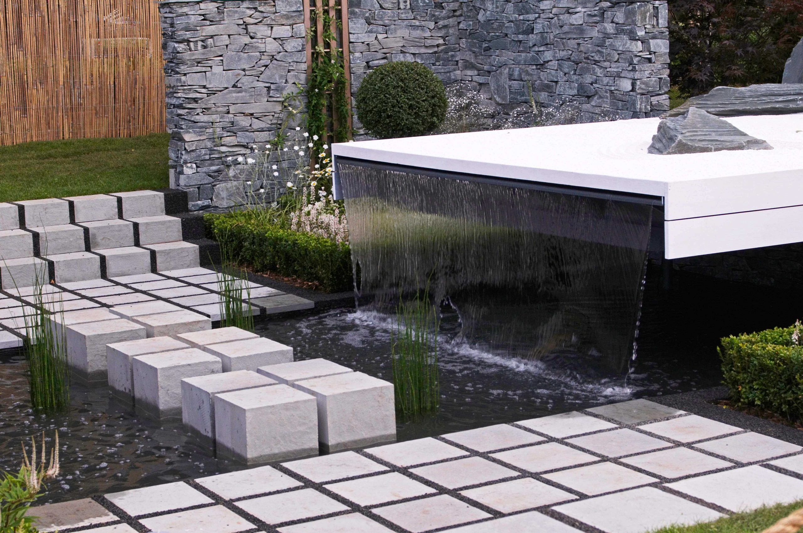 Garden Water Feature And Fountains Installation Company Lee SE12